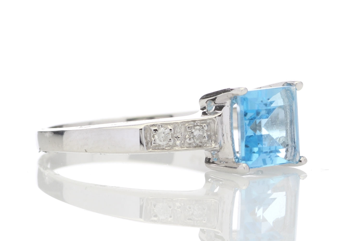9ct White Gold Diamond And Blue Topaz Ring - Image 4 of 5