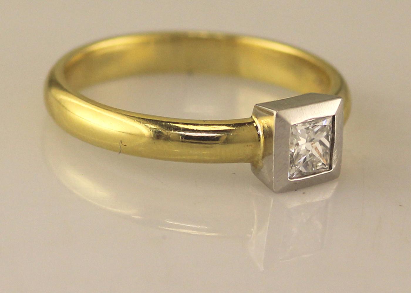 18ct Princess Cut Rub Over Diamond Ring 0.45 Carats - Image 8 of 8