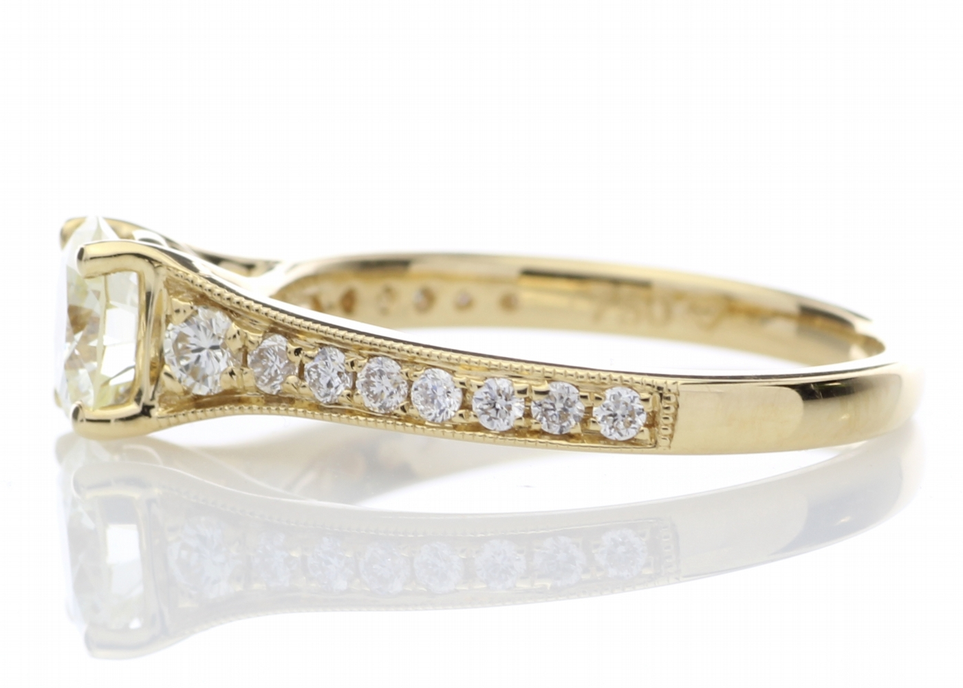 18ct Yellow Gold Diamond Ring With Stone Set Shoulders 1.06 Carats - Image 3 of 5
