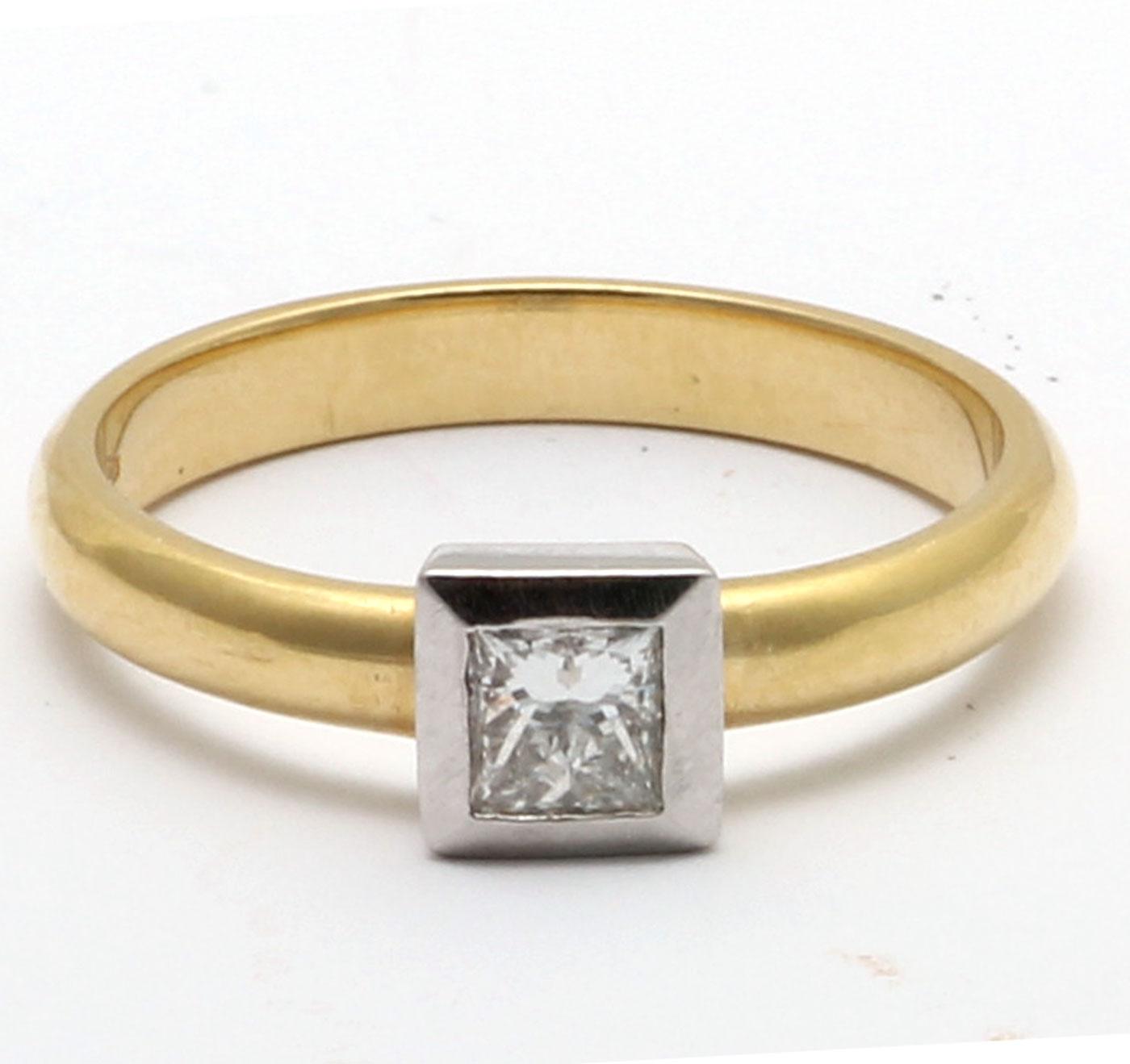 18ct Princess Cut Rub Over Diamond Ring 0.45 Carats - Image 5 of 8
