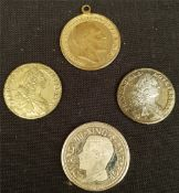 Collectable Coins 4 x Coins (Reproductions) Sovereigns Ducats