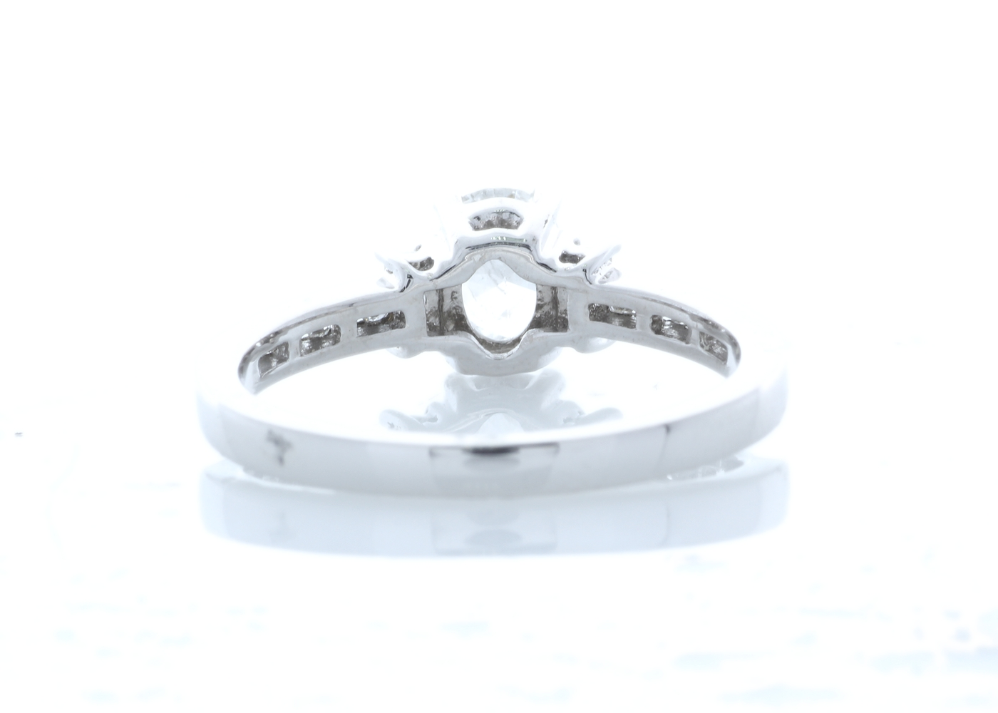 18ct White Gold Stone Set Shoulders Diamond Ring 0.74 Carats - Image 3 of 5