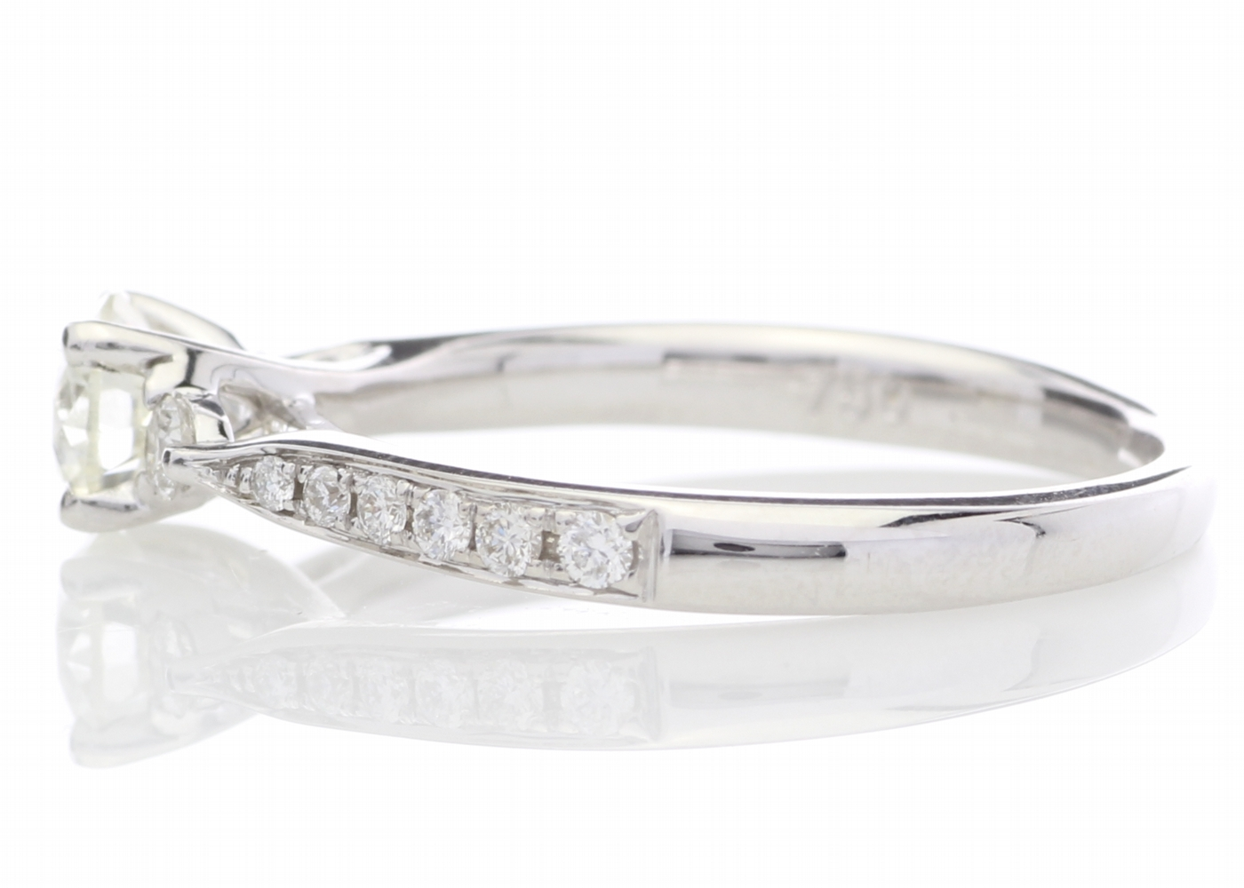 18ct White Gold Diamond Ring With Stone Set Shoulders 0.72 Carats - Image 3 of 5