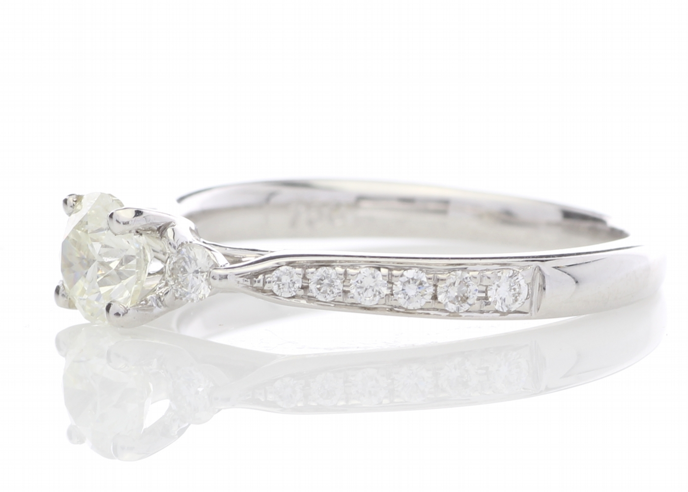 18ct White Gold Diamond Ring With Stone Set Shoulders 0.72 Carats - Image 2 of 5