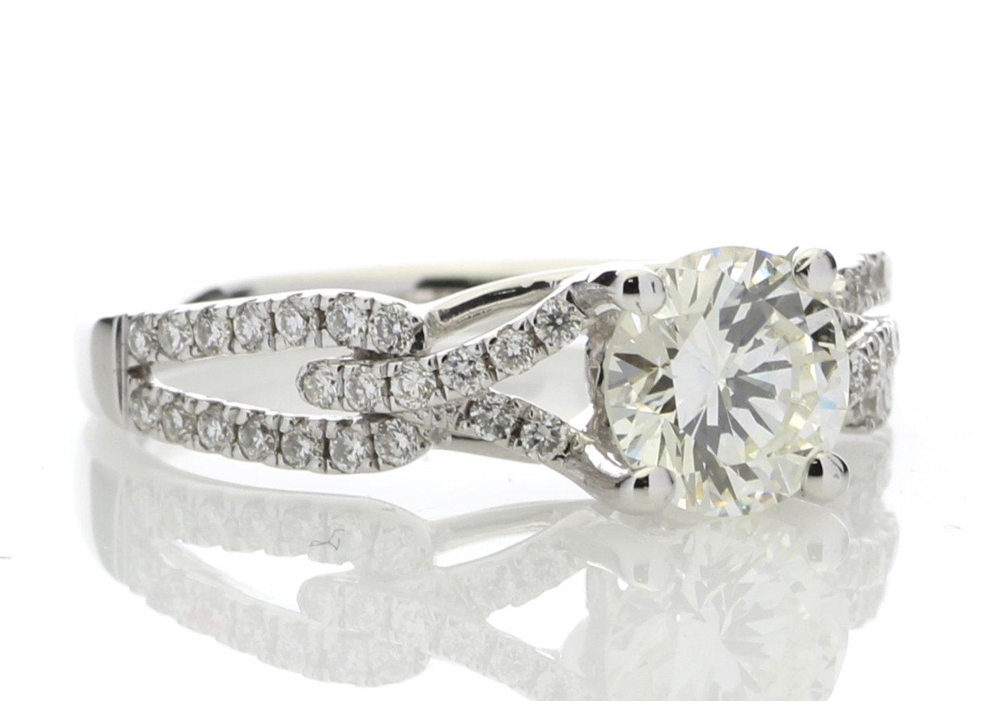 18ct White Gold Claw Set With Stone Set Shoulders Diamond Ring 1.32 Carats - Image 4 of 5