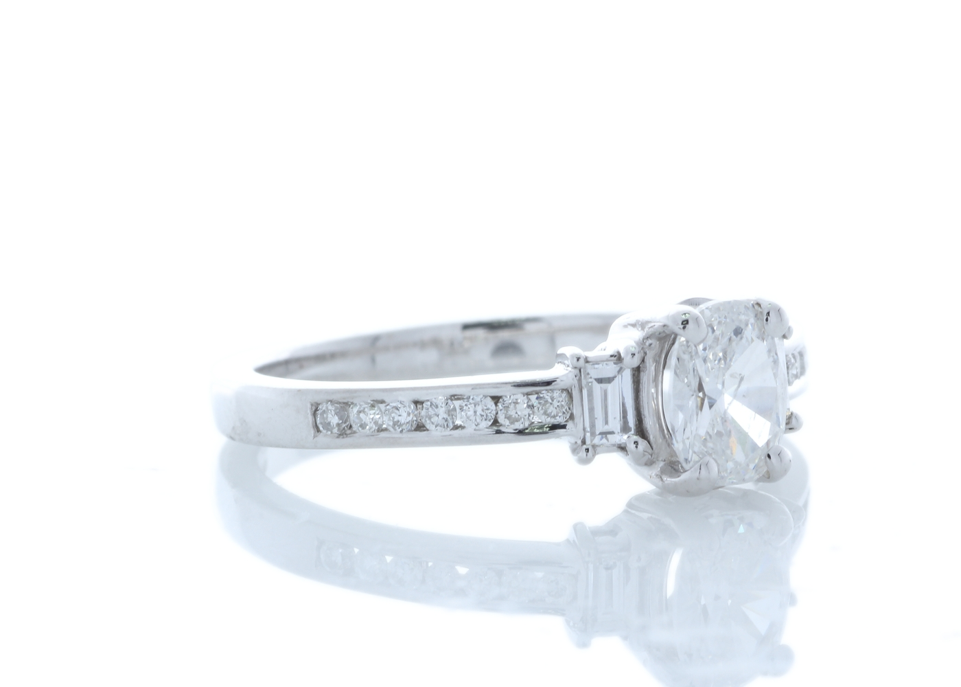 18ct White Gold Stone Set Shoulders Diamond Ring 0.74 Carats - Image 4 of 5