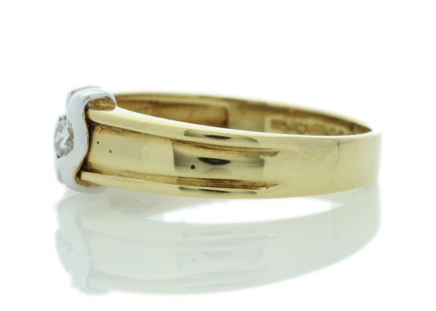 18ct Yellow Gold Rub Over Set Diamond Ring 0.21 Carats - Image 2 of 5