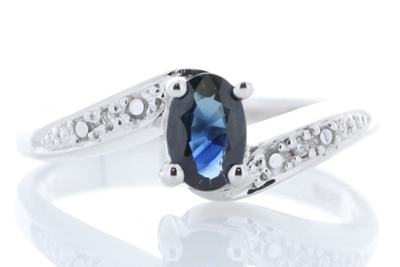 Lot 60 - 9ct White Gold Diamond And Sapphire Ring