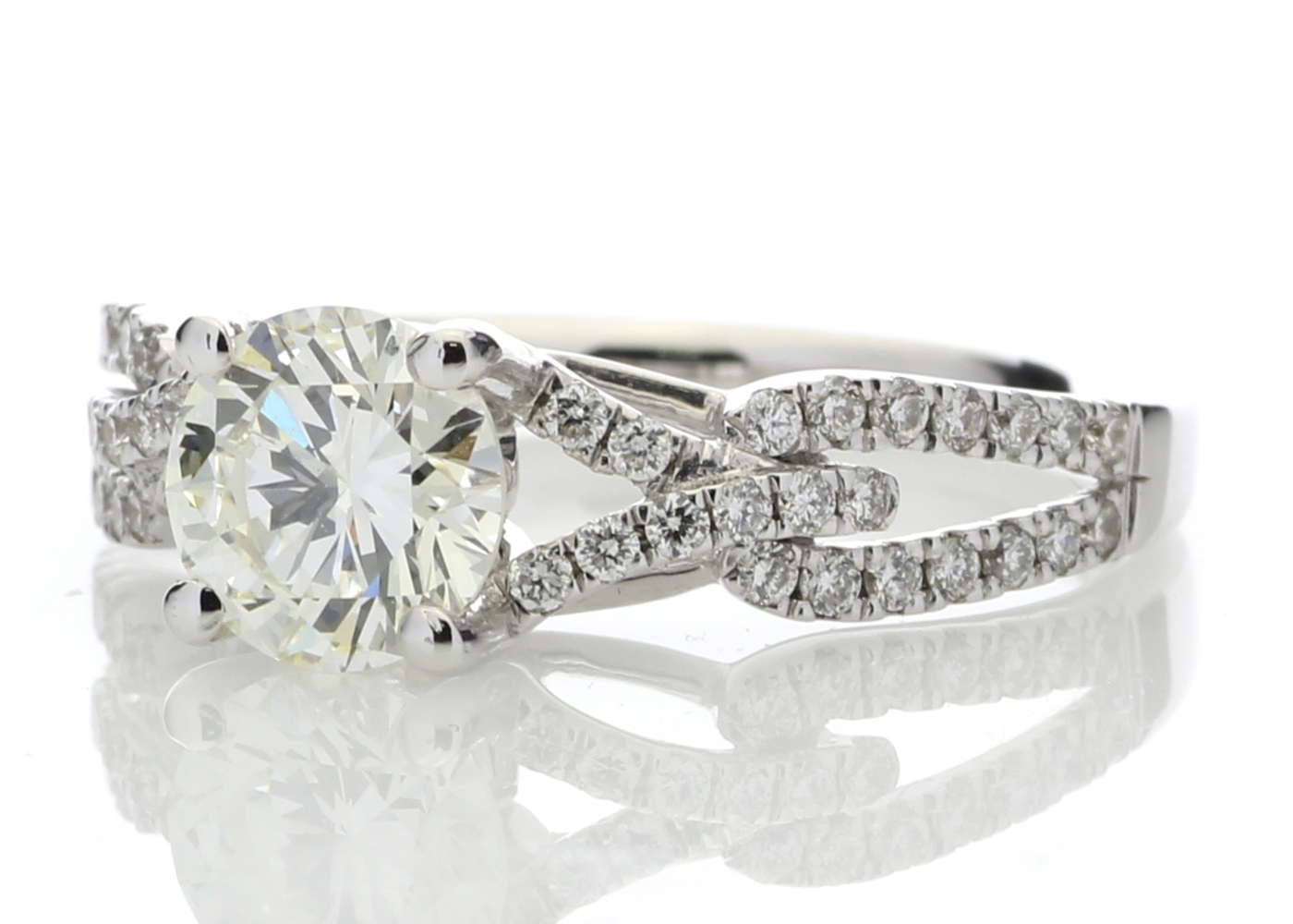 18ct White Gold Claw Set With Stone Set Shoulders Diamond Ring 1.32 Carats - Image 2 of 5