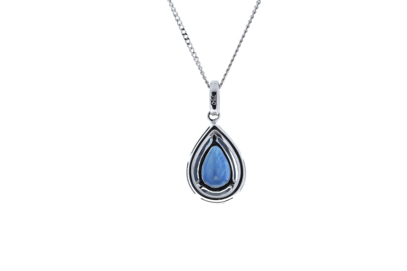 Lot 43 - 18ct White Gold Diamond And Sapphire Pendant 2.35 Carats