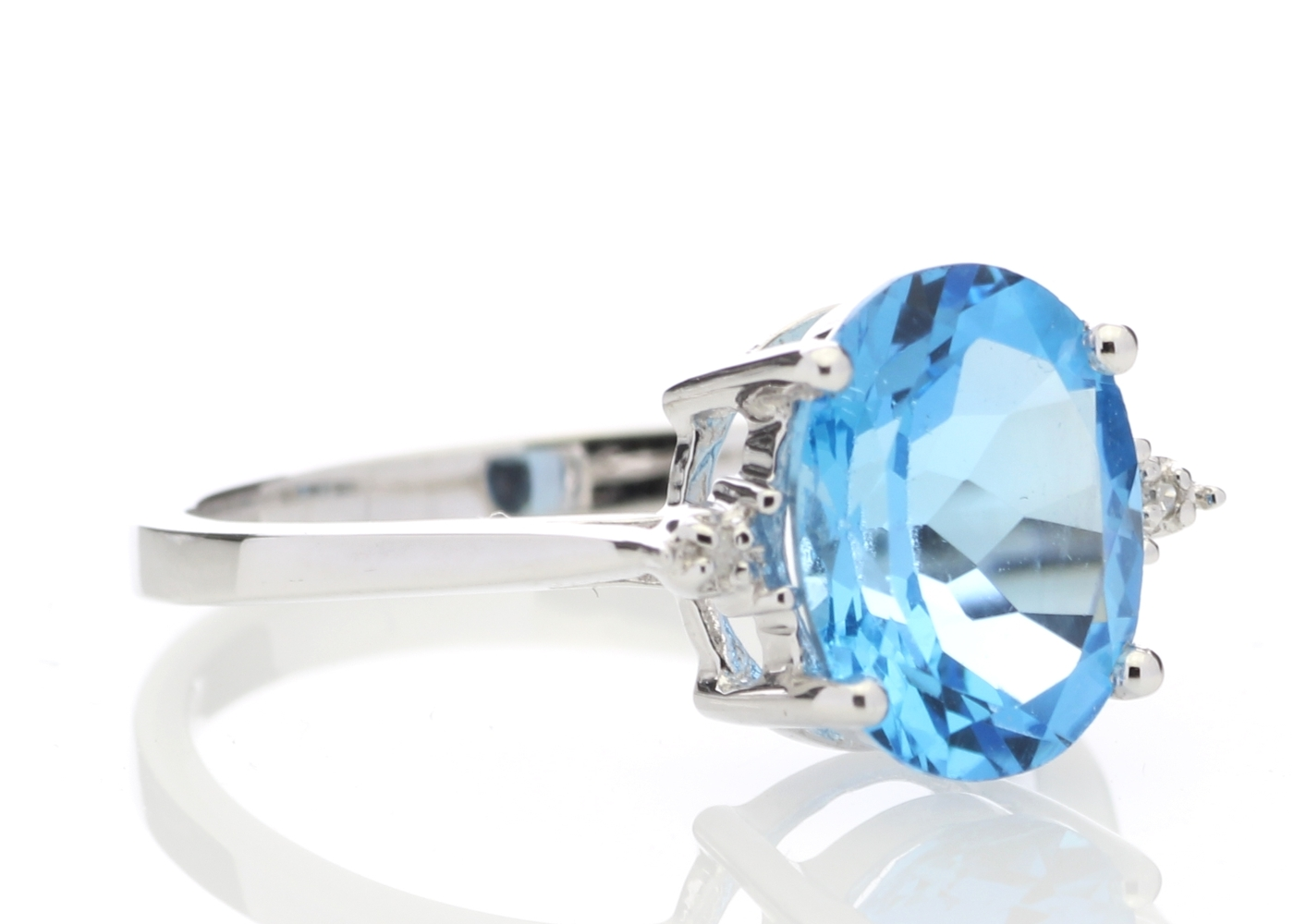 9ct White Gold Diamond And Blue Topaz Ring - Image 4 of 6