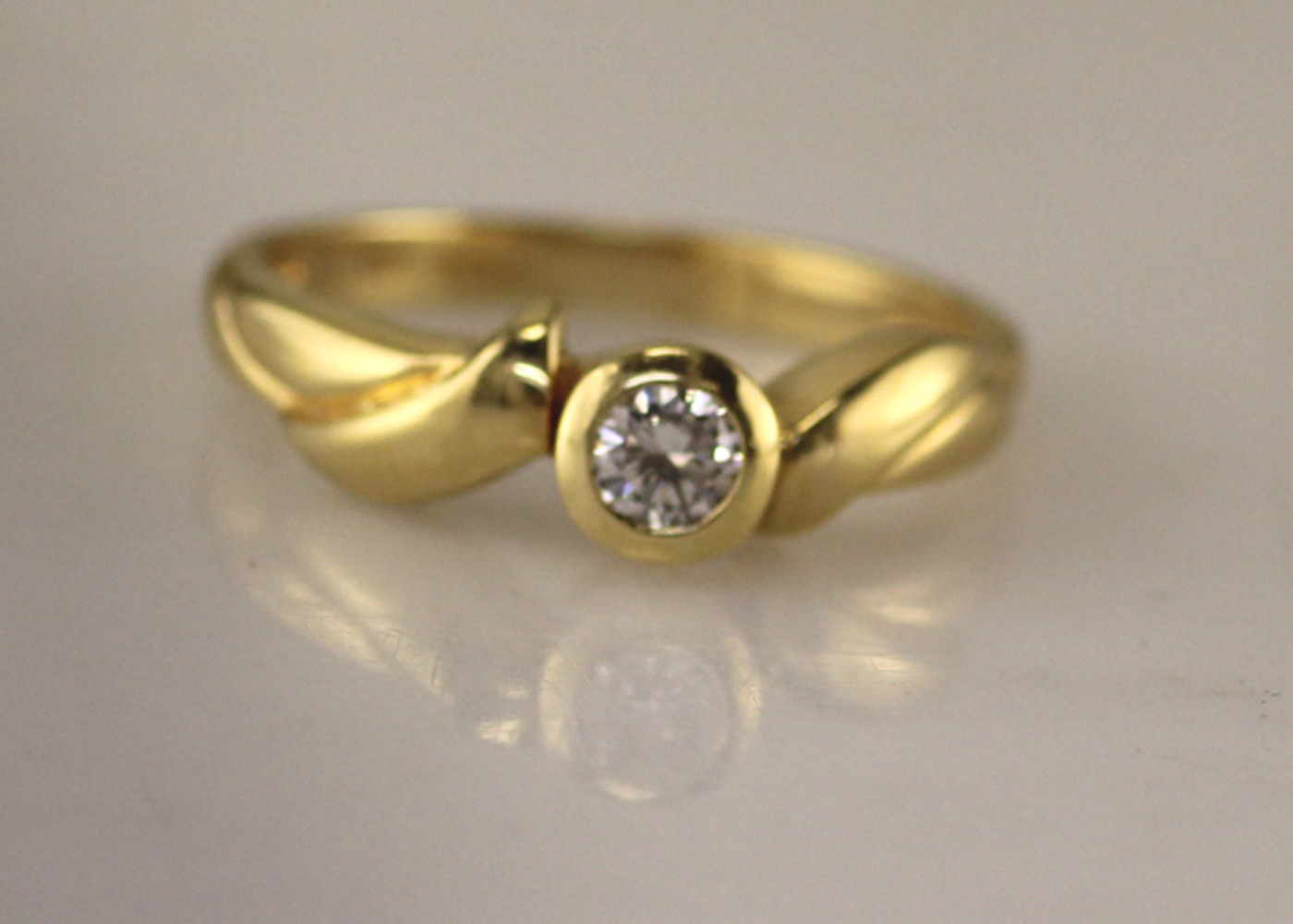 18ct Rub Over Set Diamond Ring 0.17 Carats - Image 7 of 7