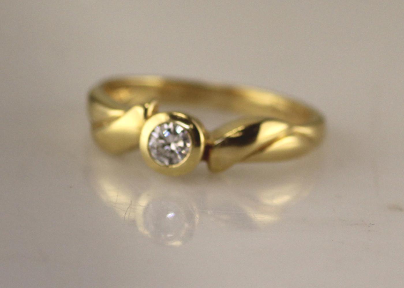 18ct Rub Over Set Diamond Ring 0.17 Carats - Image 5 of 7