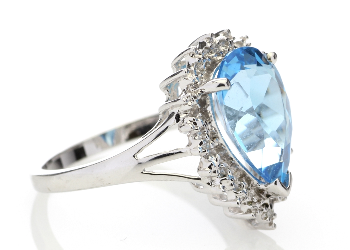 Lot 55 - 9ct White Gold Diamond And Blue Topaz Ring