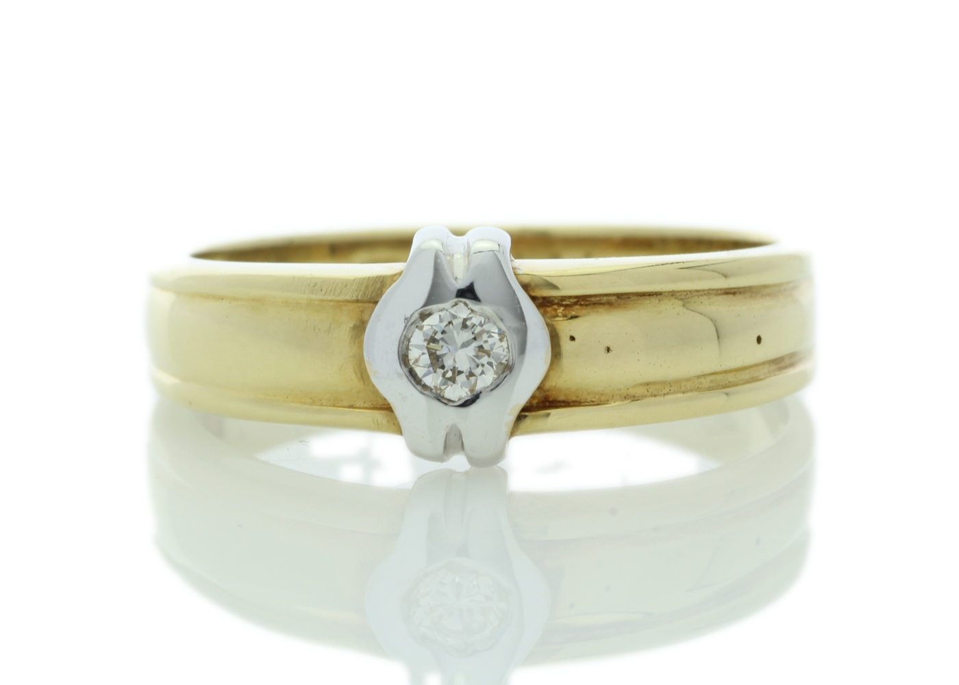18ct Yellow Gold Rub Over Set Diamond Ring 0.21 Carats