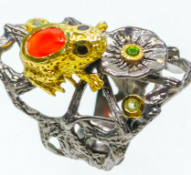 Unique silver ring frog