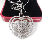 Heart shaped pendand and chain