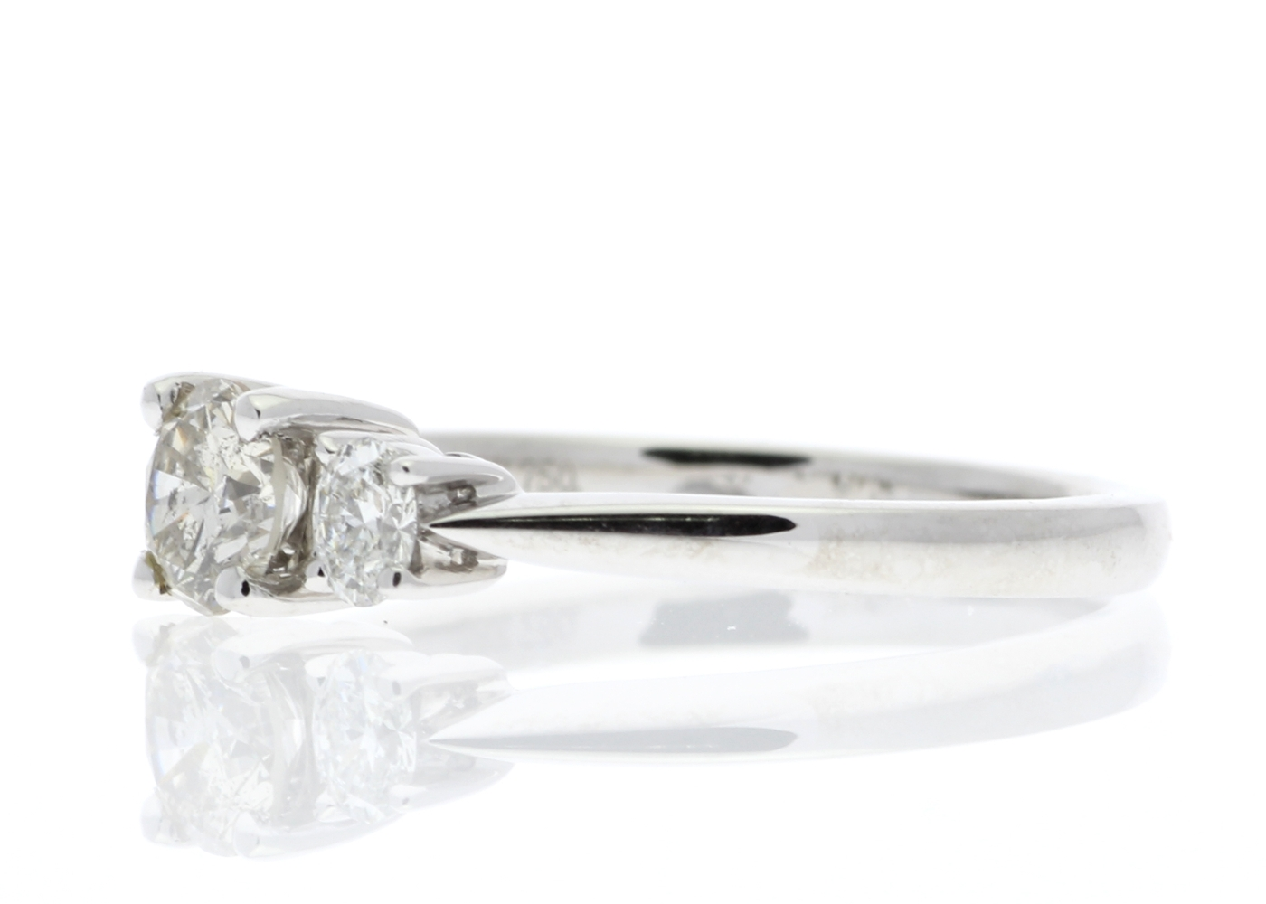 18ct White Gold Three Stone Claw Set Diamond Ring 0.73 Carats - Image 2 of 5