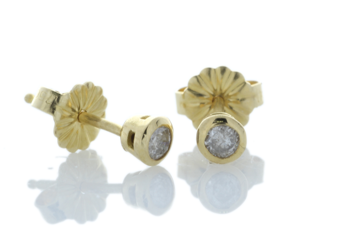 18ct Yellow Gold Single Stone Rub Over Set Diamond Earring 0.33 Carats - Image 2 of 3