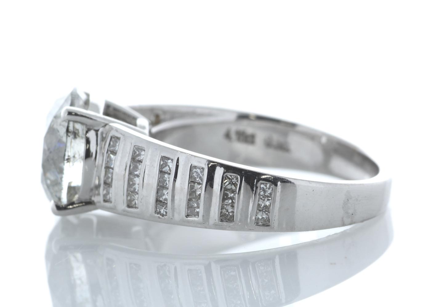 18ct White Gold Single Stone Prong Set With Stone Set Shoulders Diamond Ring 4.65 Carats - Image 4 of 5