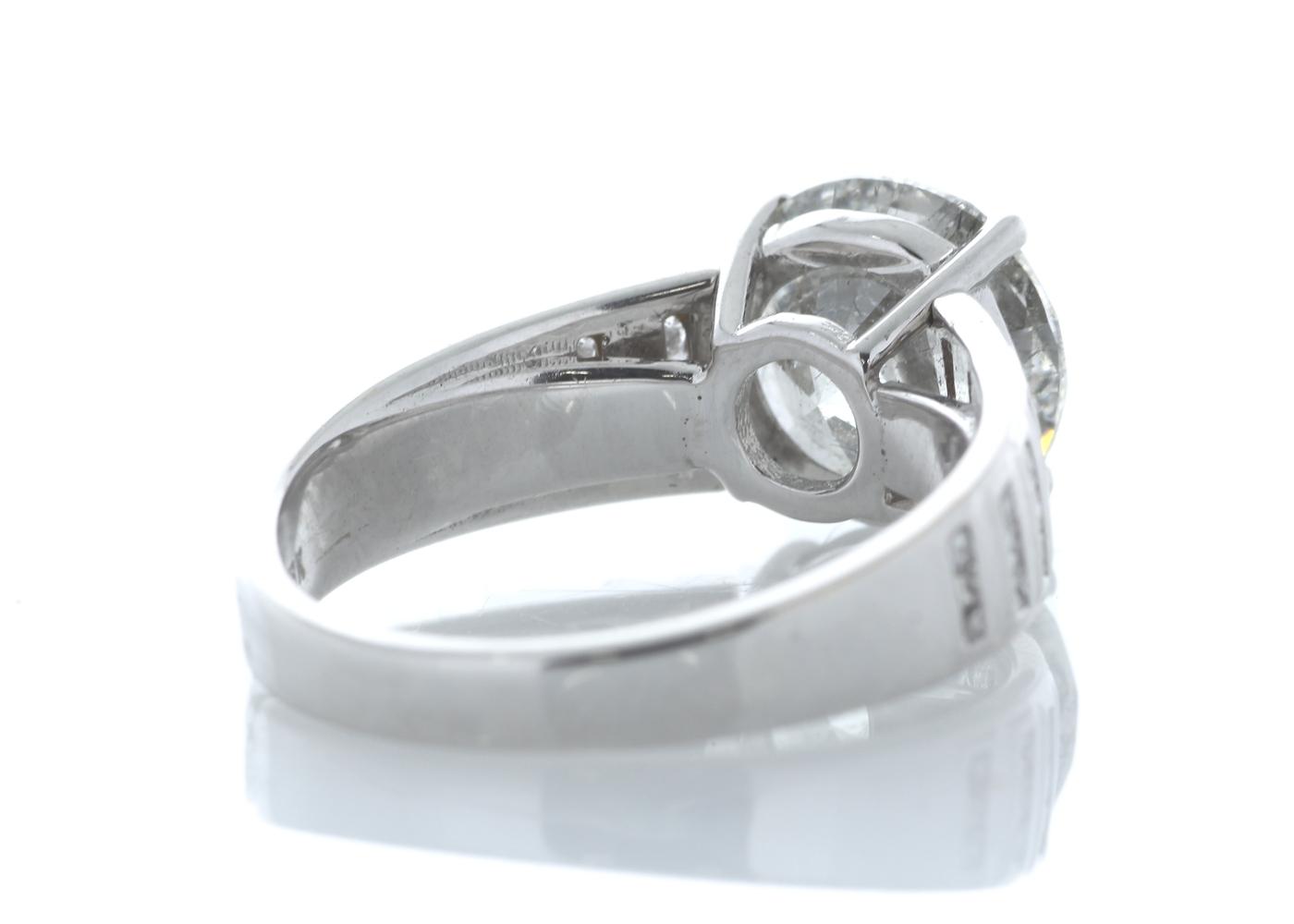 18ct White Gold Single Stone Prong Set With Stone Set Shoulders Diamond Ring 4.65 Carats - Image 3 of 5