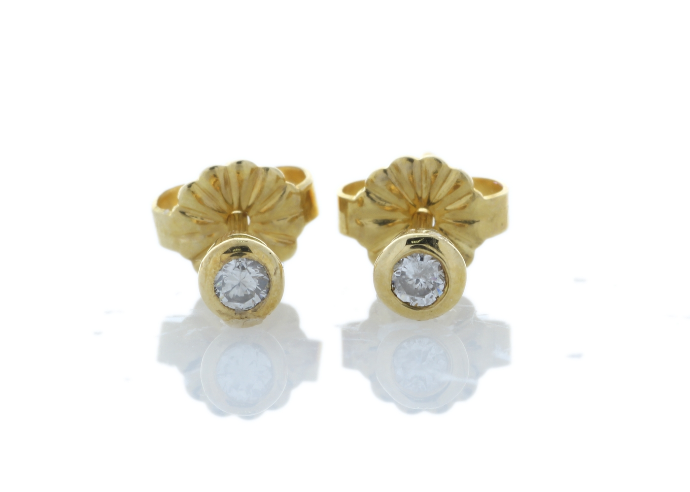Lot 5 - 18ct Rub Over Set Diamond Earrings 0.10 Carats