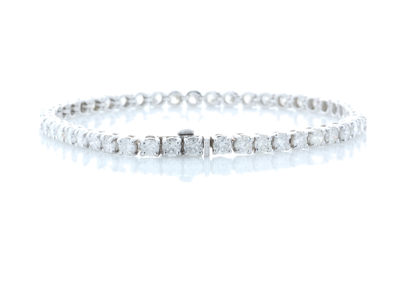 Lot 38 - 18ct White Gold Tennis Diamond Bracelet 7.67 Carats