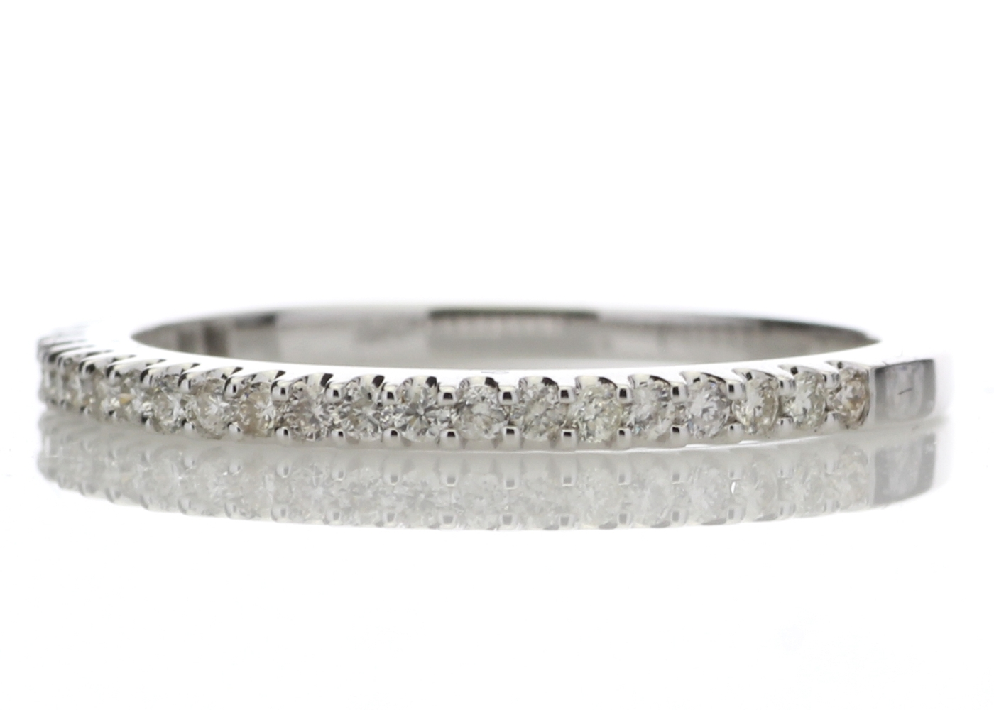 9ct White Gold Diamond Half Eternity Ring 0.25 Carats - Image 2 of 4