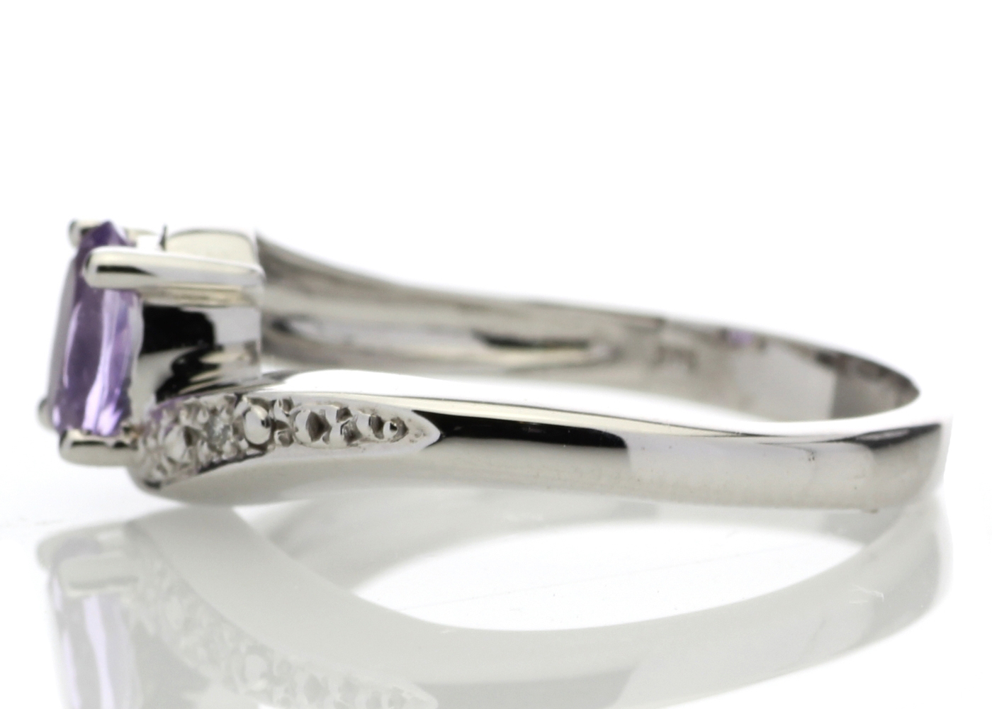 9ct White Gold Amethyst Diamond Ring 0.01 Carats - Image 3 of 4