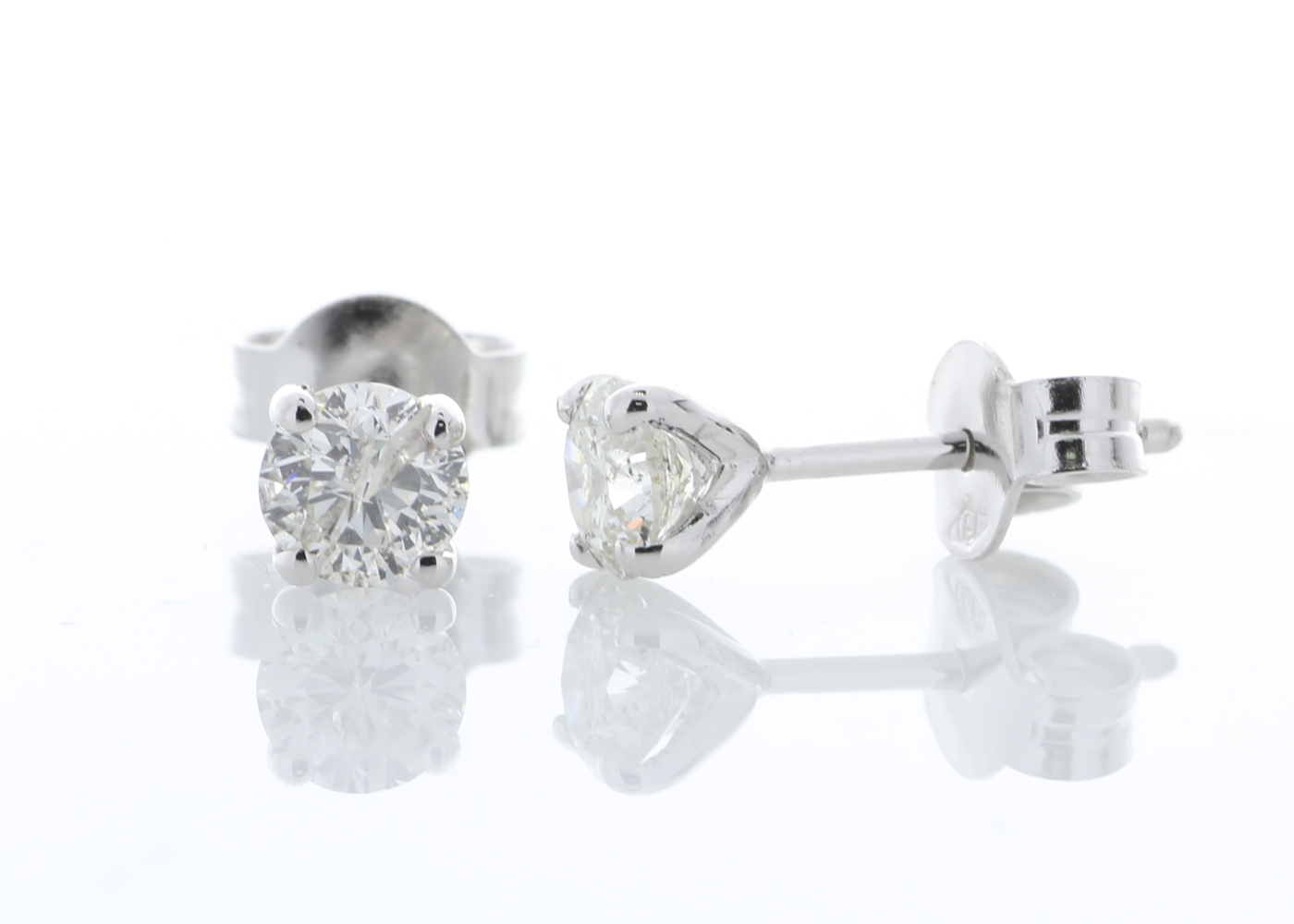 Lot 36 - 18ct White Gold Single Stone Prong Set Diamond Earring 0.80 Carats