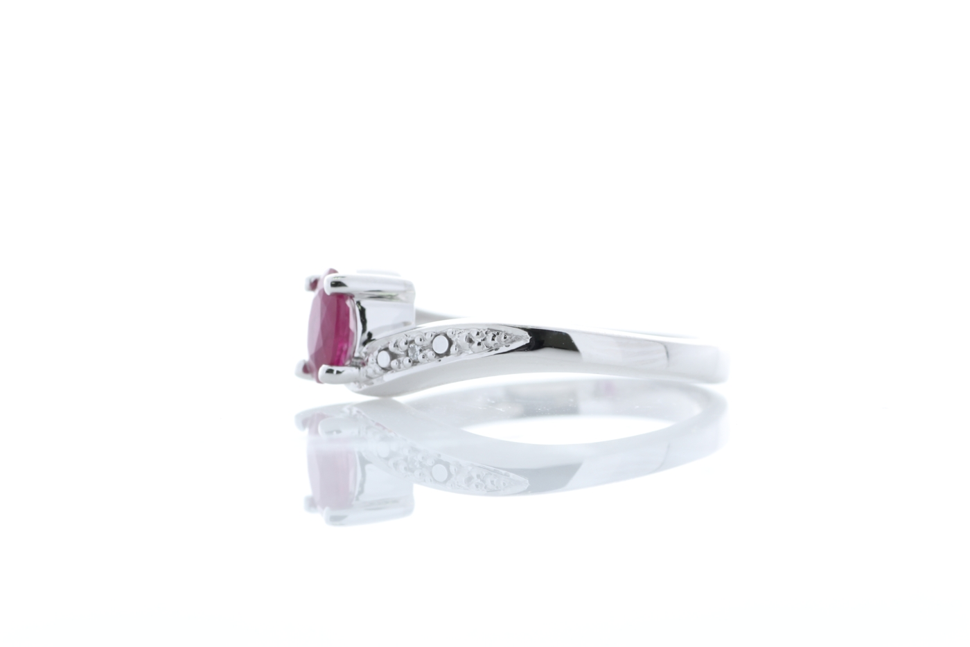 9ct White Gold Diamond And Ruby Ring 0.01 Carats - Image 2 of 4