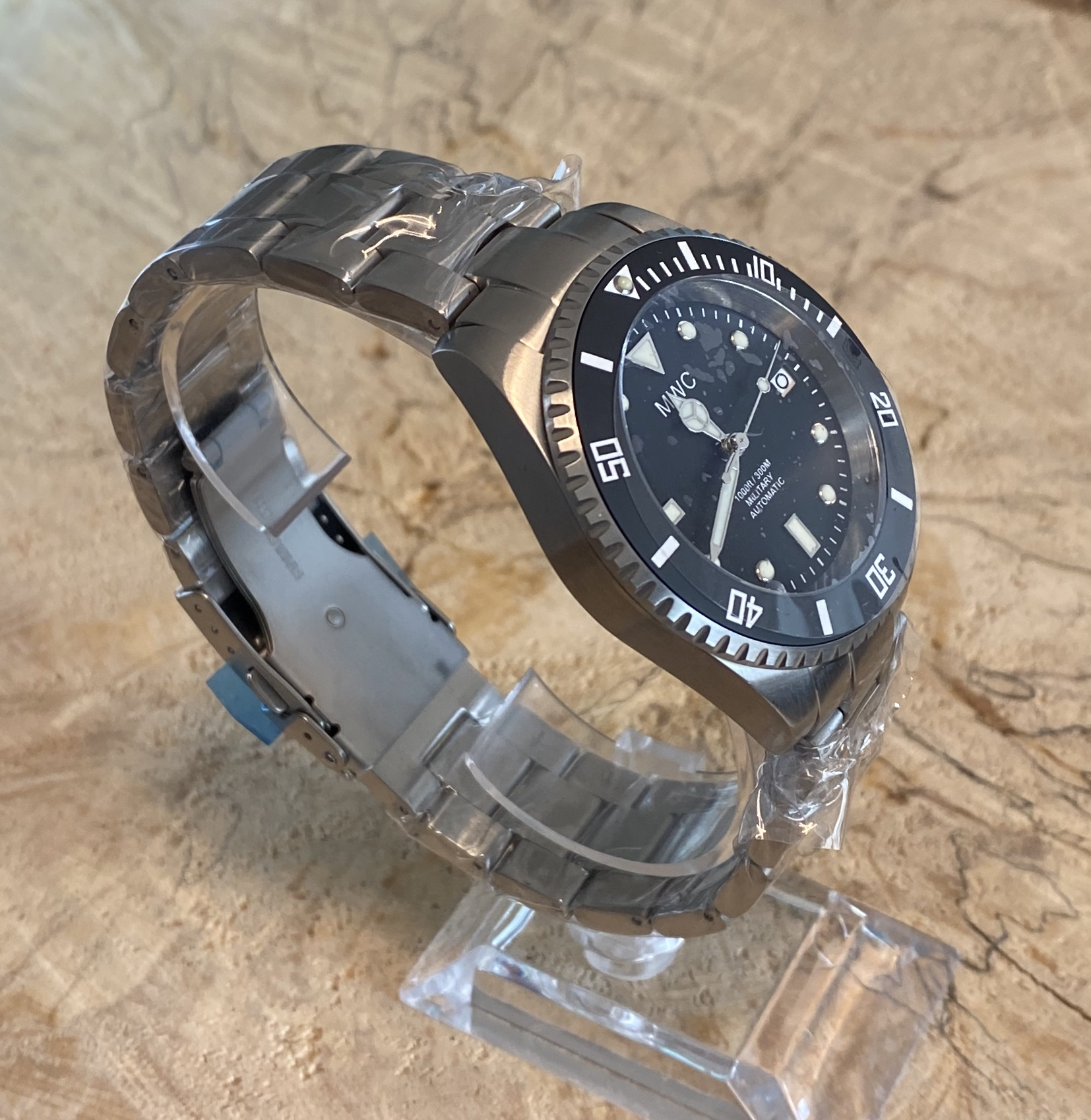 Lot 21 - MWC Military Divers Watch Automatic