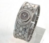 Gucci Twirl 72 Diamond Ladies Watch
