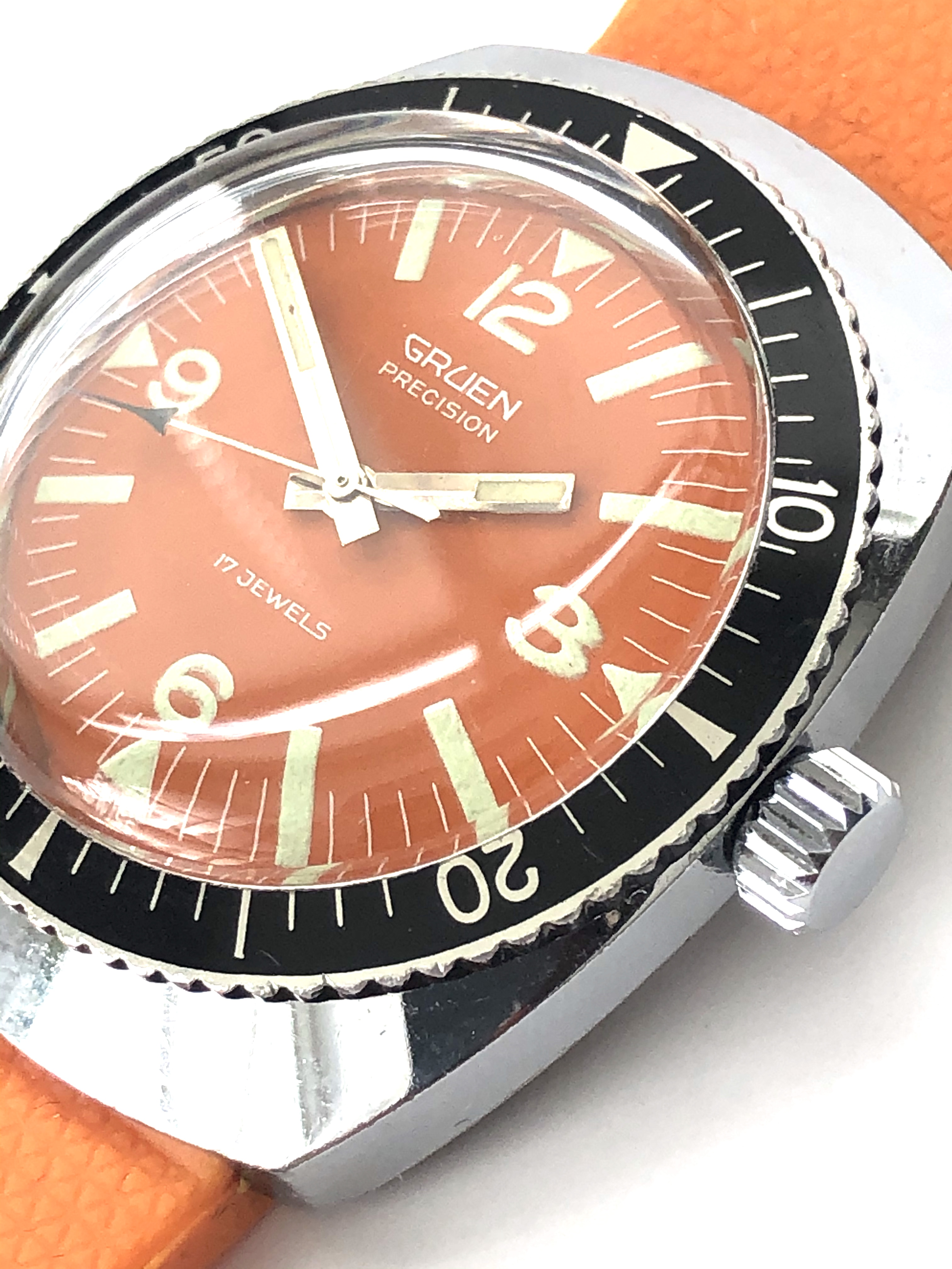 Lot 29 - Exceptional Vintage 1960s GRUEN Precision Exotic Dial Rotating Bezel Divers Watch