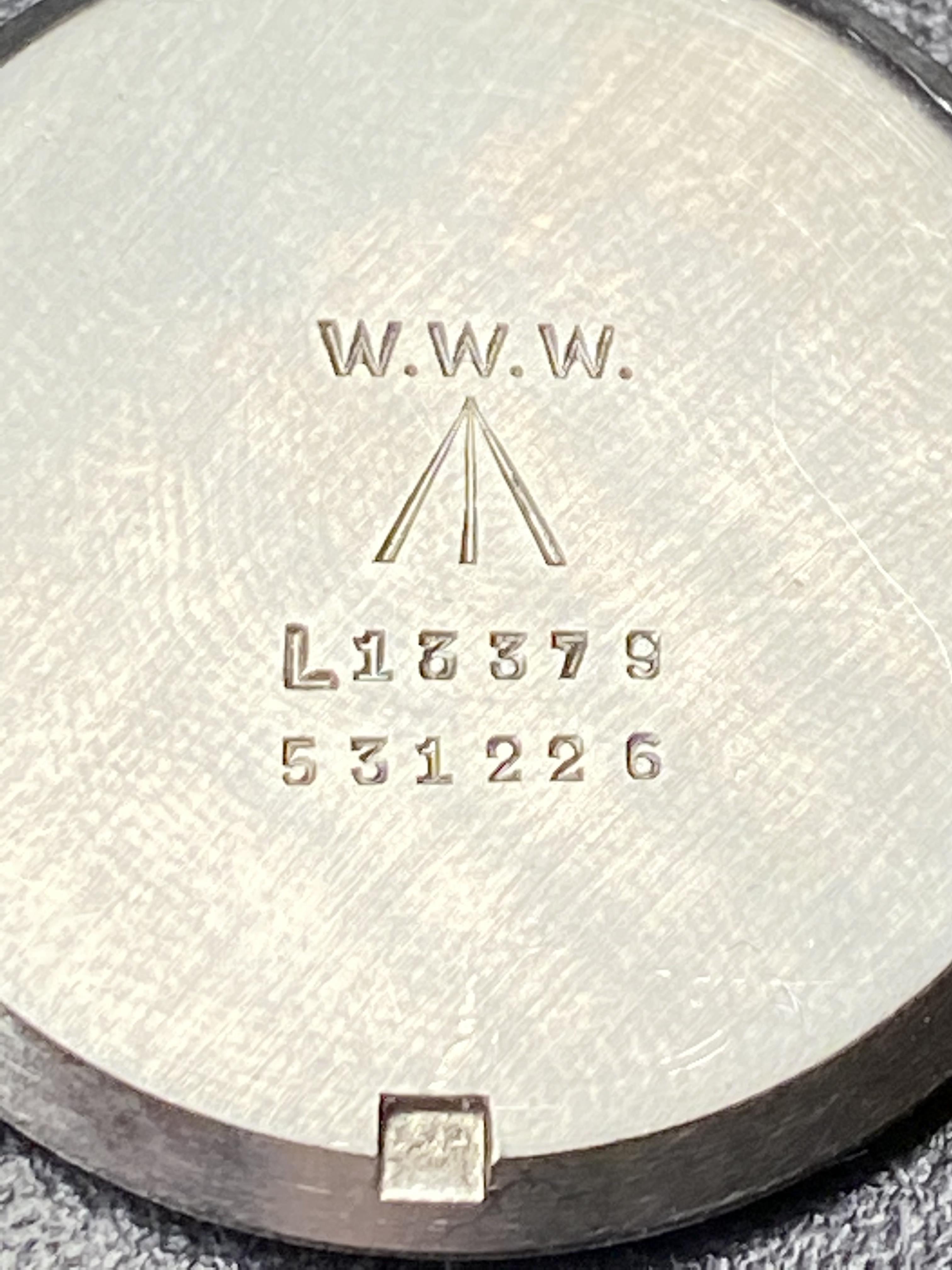 Lot 4 - Record 022K British Military issue WW2 (Manual Wind)