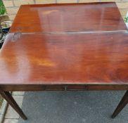 Antique Early 20th Century Hard Wood Tea Table.