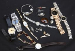 Vintage Parcel of Costume Jewellery and Wrist Watches