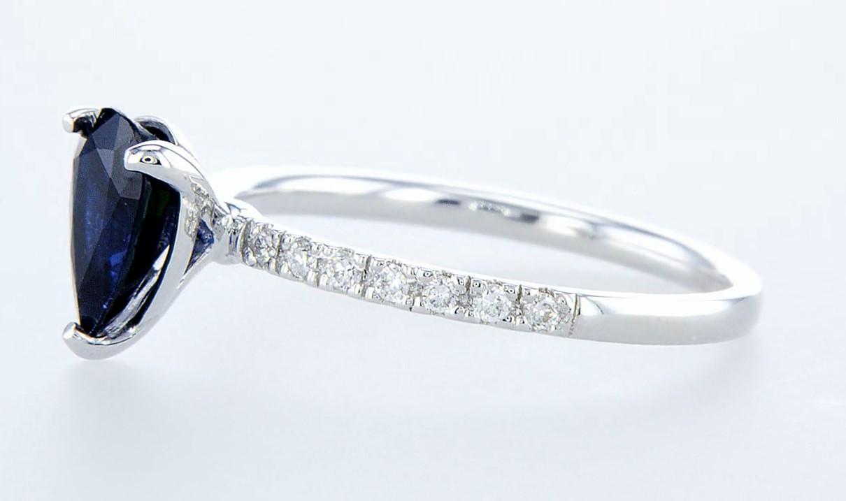 Lot 6 - 14 kt. White gold - Ring - 1.29 ct Sapphire - Diamonds