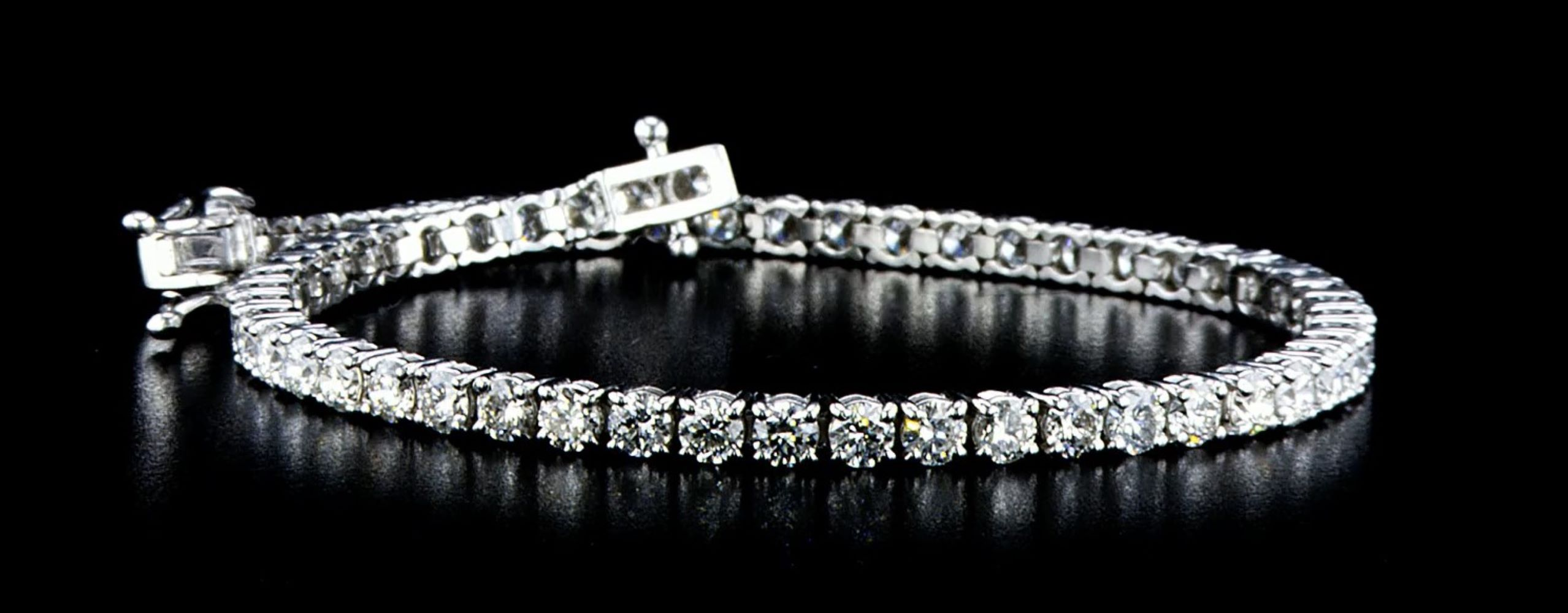 Lot 50 - 14 kt. White gold - Bracelet - 3.75 ct Diamond