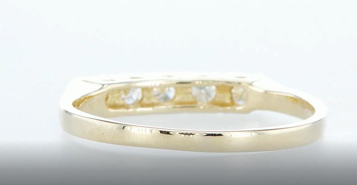 Lot 15 - 14 kt. Yellow gold - Ring Diamond-0.15CTW
