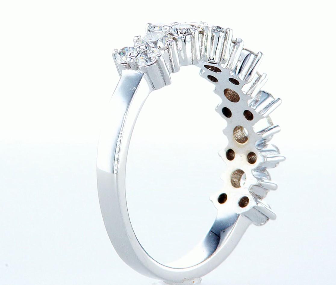 Lot 45 - 14 kt. White gold - Ring - 1.26 ct Diamond - Diamonds