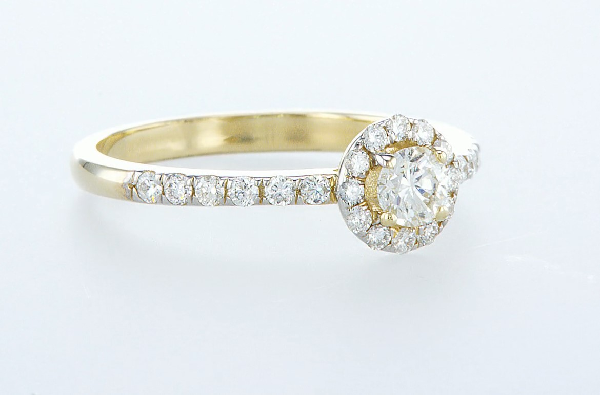 Lot 59 - 14 kt. Yellow gold - Ring - 0.61 ct Diamond - Diamonds