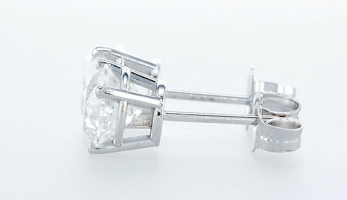 Lot 21 - 14 kt. White gold - Earrings - 2.00 ct Diamond - Diamonds