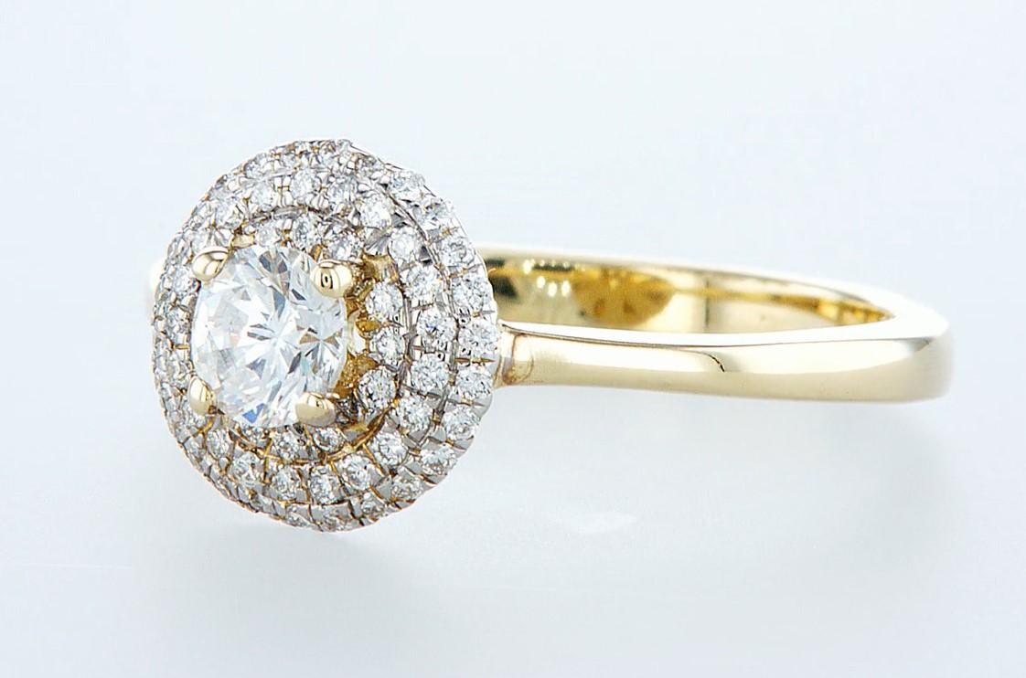 Lot 7 - 14 kt. Yellow gold - Ring - 0.62 ct Diamond - Diamonds