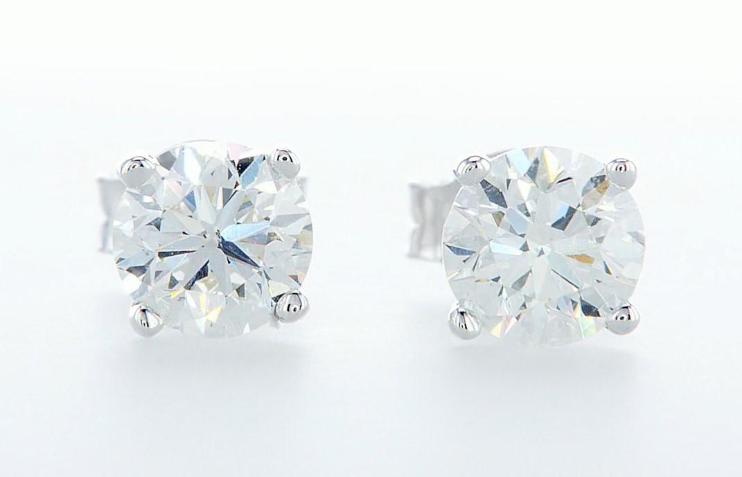Lot 49 - 14 kt. White gold - Earrings - 1.40 ct Diamond - Diamonds