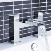New (T4) Waterfall Bath Mixer Taps. Chrome Plated Solid Brass 1/4 Turn Solid Brass Valve With C...