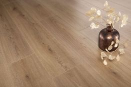 NEW 9.56m2 LAMINATE FLOORING TREND NATURE OAK. With a warm natural tone and a complex grain fea...