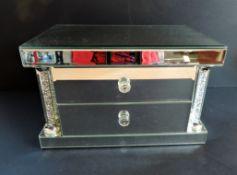 Sorrento Mirrored Jewellery Chest New Unused