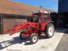 International 785 tractor + power loader