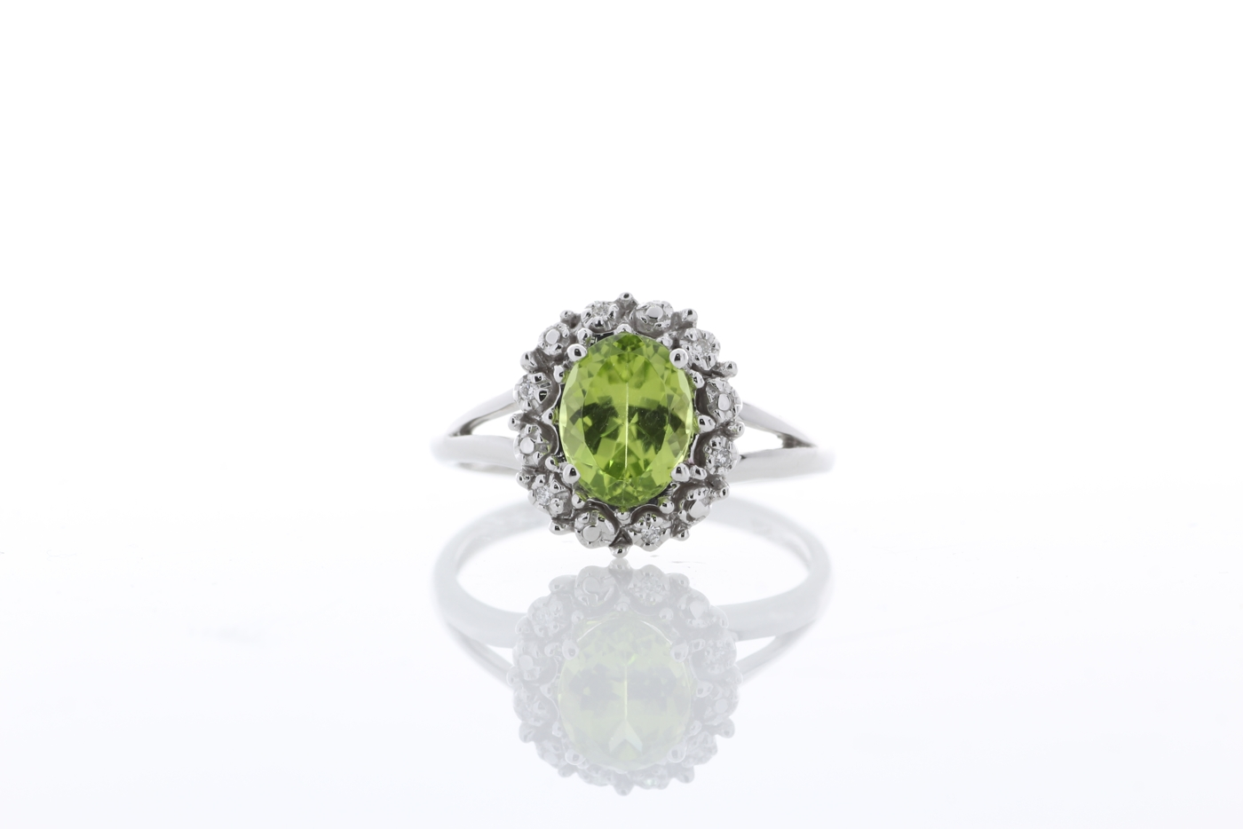 Lot 59 - 9ct White Gold Cluster Diamond And Peridot Ring 1.40 Carats